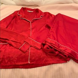 Women's Victoria's Secret satin pajamas
